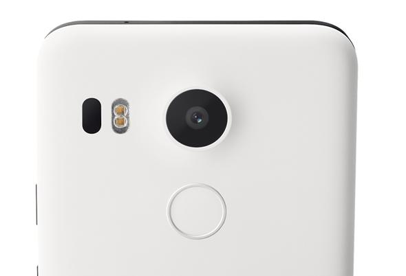 Google 推出搭載 Android 6.0 Marshmollow 系統手機:Nexus 5X、Nexus 6P,售價 12,900 起 nexus-5x-camera
