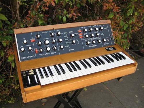 [Google Doodle] Robert Moog 電子合成器之父 78 歲誕辰(教你怎麼玩) minimoog