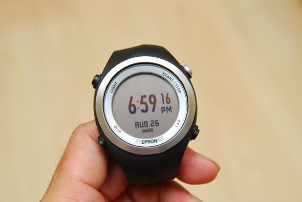 EPSON 專業級路跑教練運動錶 RUNSENSE SF-710 可連續使用 30 小時 DSC_0079