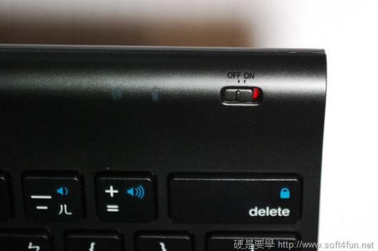【開箱文】羅技 iPad 鍵盤立架組 - 再也不用忍受螢幕鍵盤的折磨啦! clip_image015