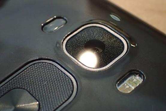 擁有曲面螢幕的旗艦手機 LG G Flex2 開箱評測,旗艦規格不旗艦的價格 clip_image010