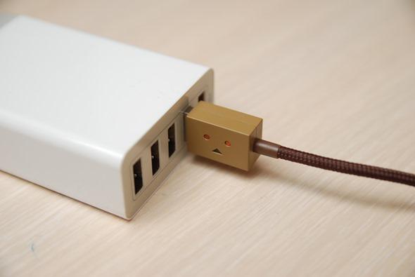 超療癒!Cheero 阿愣 micro USB 充電線,眼睛會發亮耶! DSC_0050