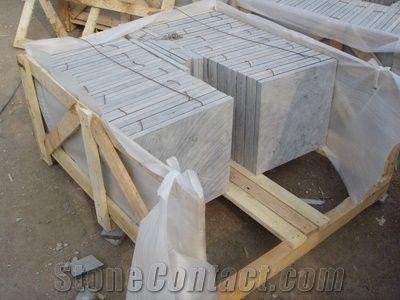 of bluestone tiles slabs