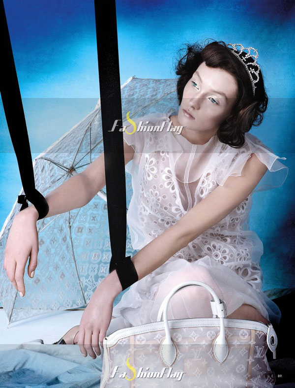 Alexa-Yudina-by-Giovanni-Squatriti-in-Louis-Vuitton-for-Elle-Dubai-April-2012-1