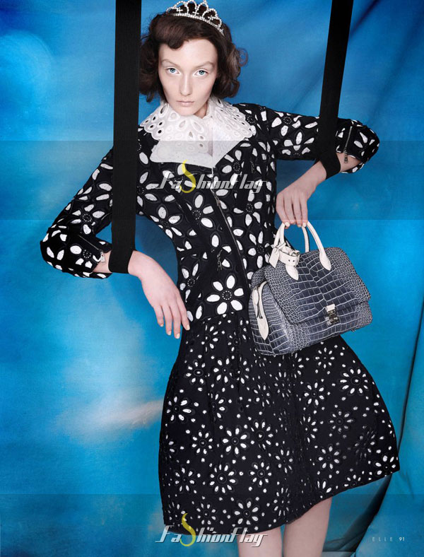 Alexa-Yudina-by-Giovanni-Squatriti-in-Louis-Vuitton-for-Elle-Dubai-April-2012-6