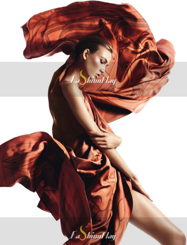 Karlie-Kloss-draped-in-Hermes-02
