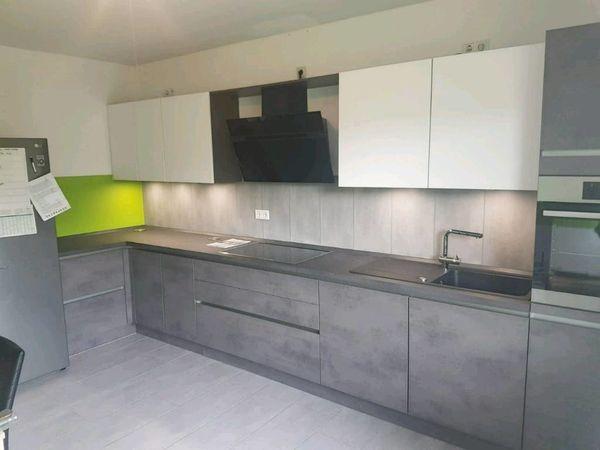 2 Monate alte Küche mit E-Geräten in Hamm - Küchenzeilen