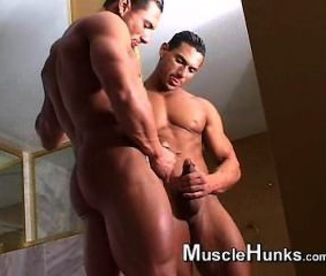 Male Solo Action Bodybuildermusclesolo Bodybuildermusclesolo