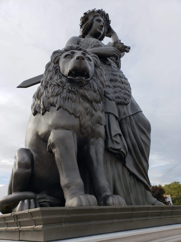 Lady Bavaria Sculpture -Detail