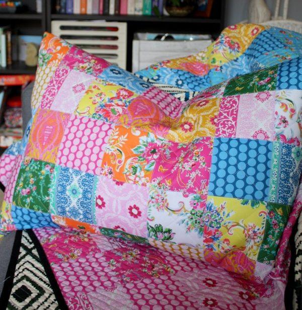 https://piccolostudio.com.au/2018/08/19/patchwork-pillow-sham-sew-along-part-5-finishing-your-sham/