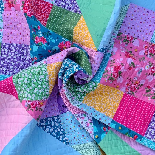 Bursting Heart Quilt by Piccolo Studio using Fleur by Down Grapevine Lane for Riley Blake Designs