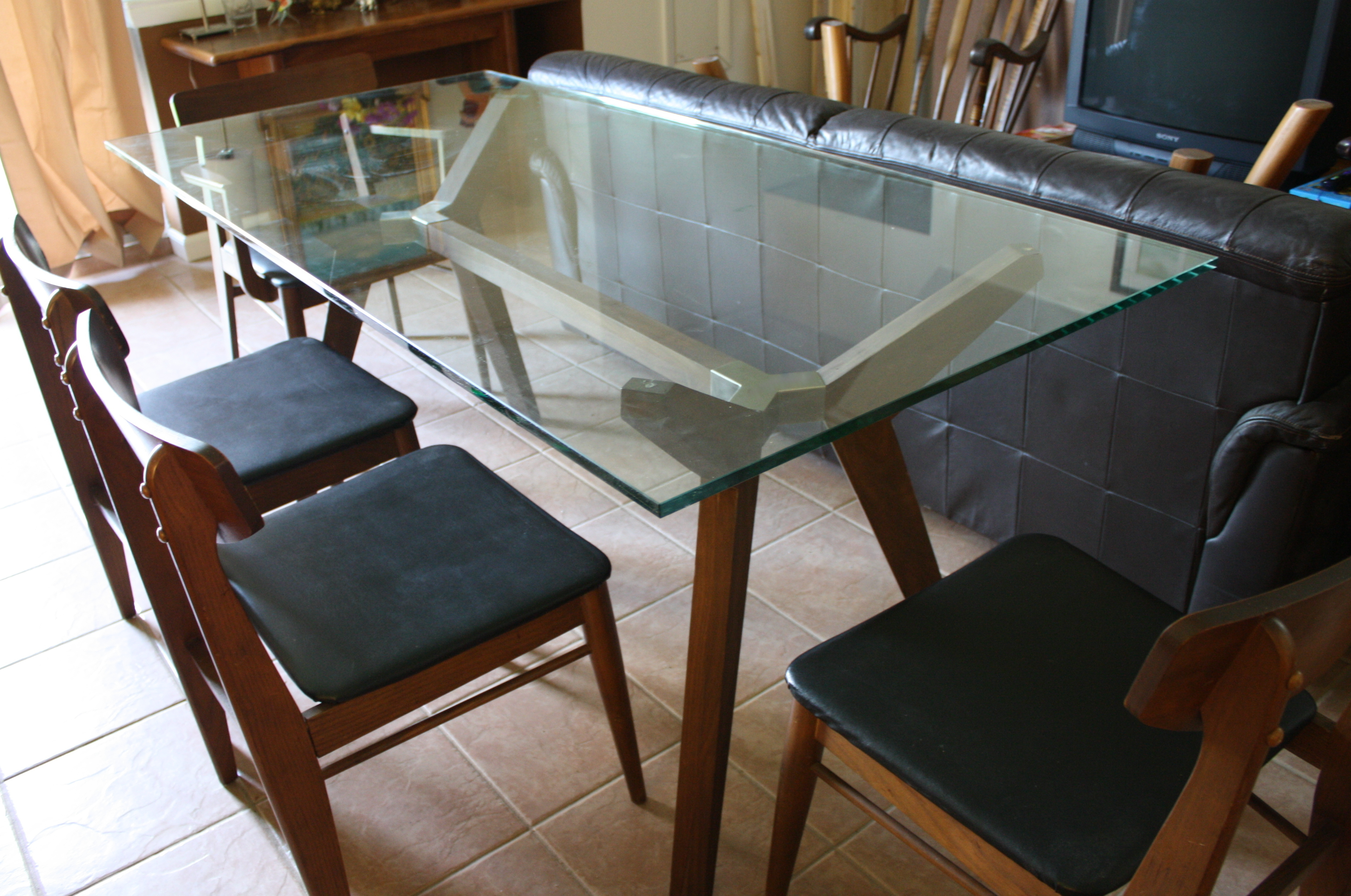 Modern Dining Table With Mid Century Modern Chairs