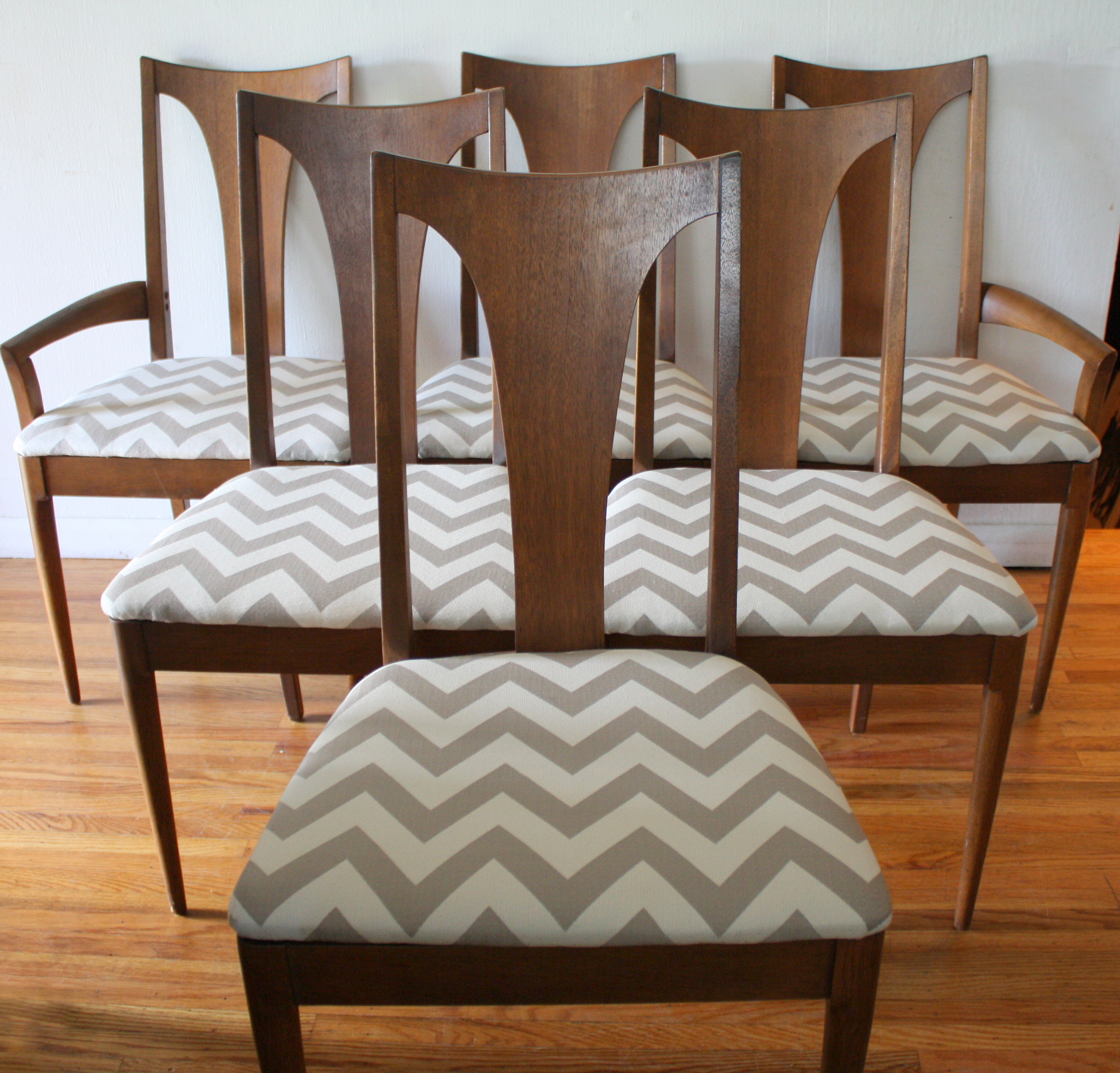 Mid Century Modern Dining Chair Set From The Broyhill