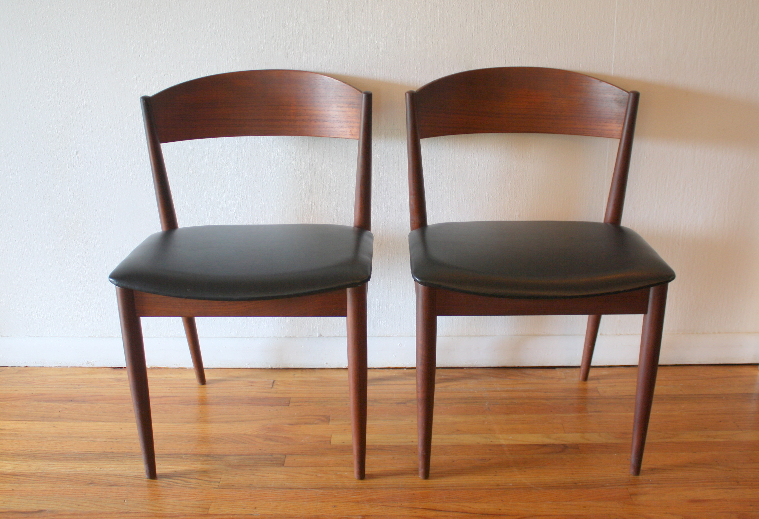 Mid Century Modern Pair Of Chairs Picked Vintage