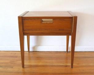 basicwitz-nightstand-1
