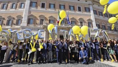 #ByeByeVitalizi Movimento 5 Stelle festeggia il taglio dei Vitalizi