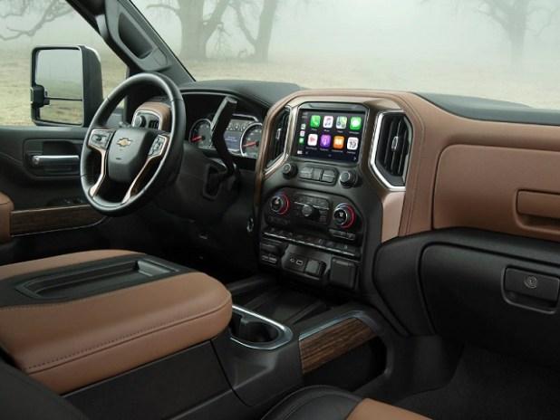 2022 Chevrolet Cheyenne interior