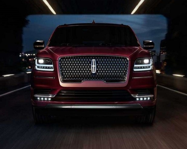 2022 Lincoln Mark LT front