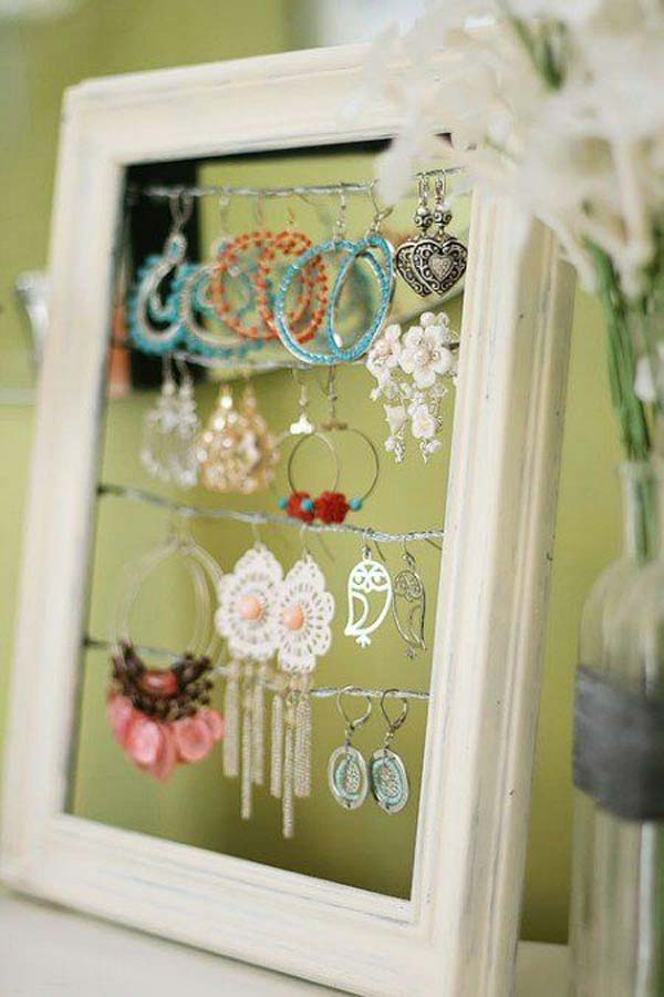 10 Creative Uses For Old Picture Frames Page 3 Of 11