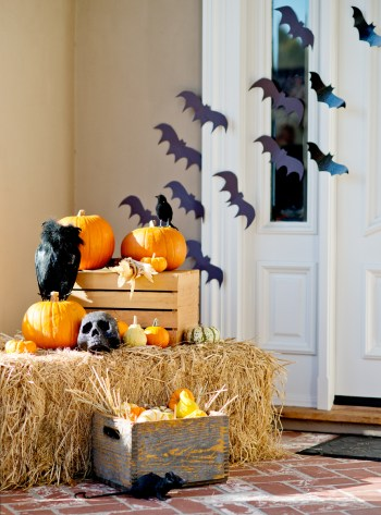 19-ways-to-make-your-neighbors-jealous-of-your-fall-porch