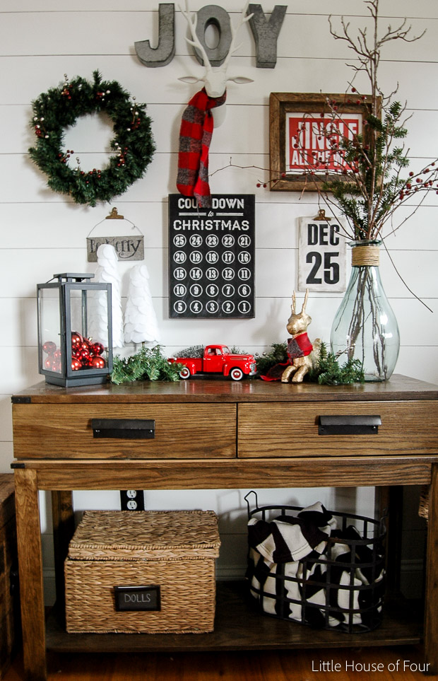 christmas-entry-table-2015-1034