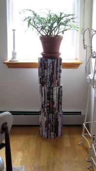 12 Things to Do With Old Magazines12