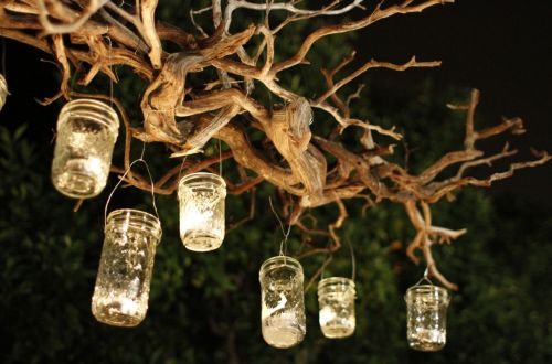 Easy-to-Make Outdoor Chandeliers| DIY Outdoor Chandelier, Outdoor Chandelier, DIY Outdoor Projects, Outdoor Projects, Outdoor Chandelier Projects, Easy to Make Outdoor Lighting Projects, Popular Pin
