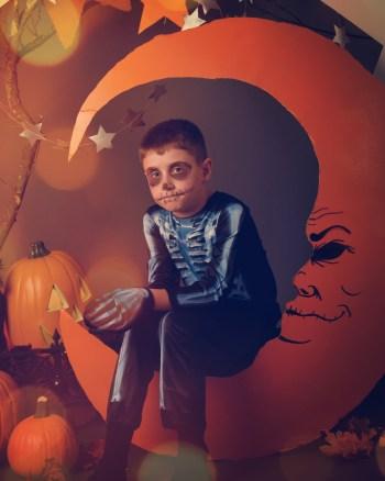 Halloween crafts   Halloween   crafts   glow in the dark   glow in the dark crafts   glow in the dark Halloween crafts