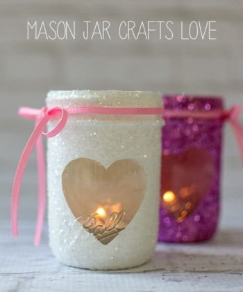 Mason jar crafts are cute for any holiday, but especially Valentines Day. These DIY Valentine crafts using mason jars are so cute! Happy crafting!