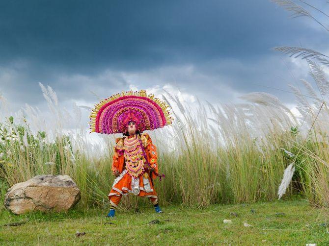 ChhauDancer-PuruliaWestBangalINDIA