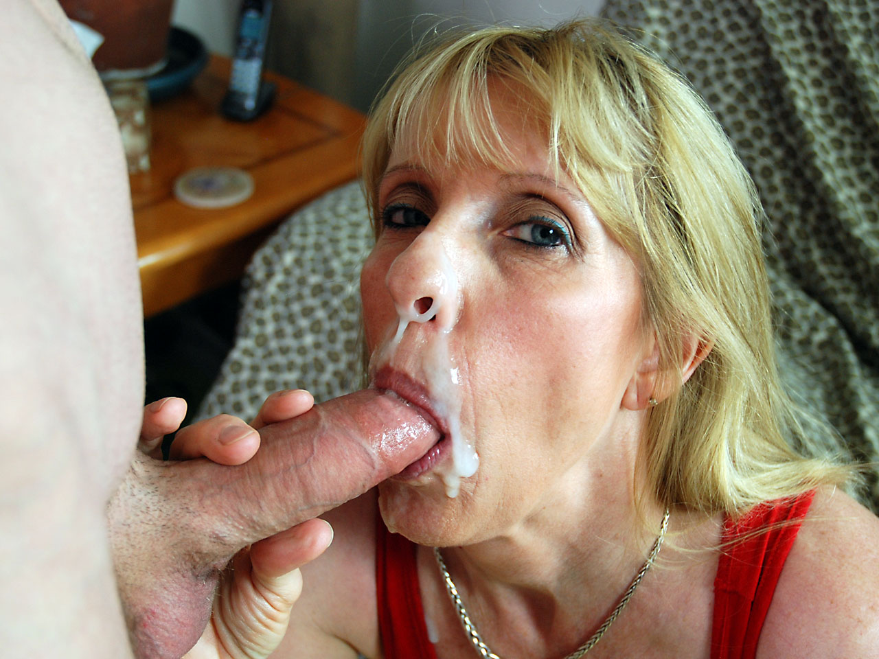 pictures-fucing-mommy-milf-mouth-full-pooping-while