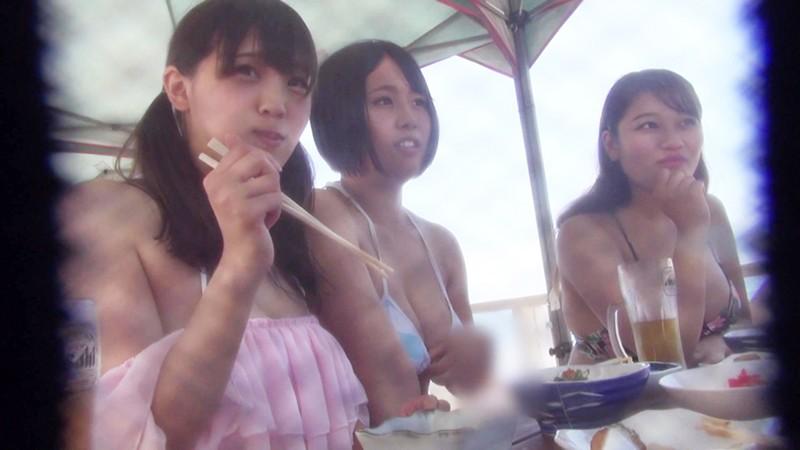 【海ナンパ】 水着美女グループ 灼熱の乱交SEX!!!! 画像3