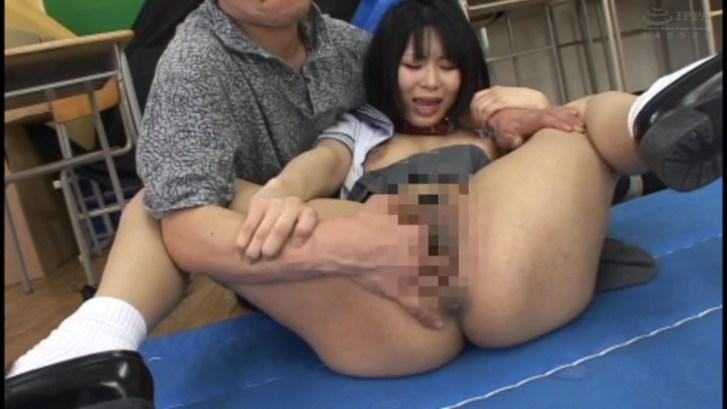 制服美少女の羞恥失禁調教FUCK 4時間4