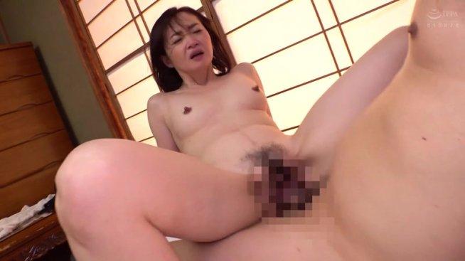 母姦中出し 息子に初めて中出しされた母 板垣慶子