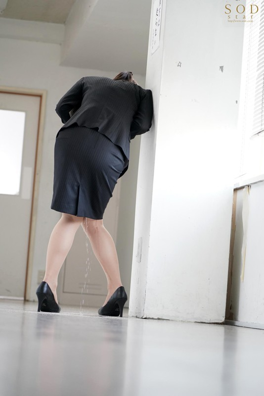 市川まさみ 利尿剤で連続ハメ失禁する美人女教師サンプルイメージ2枚目