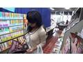 1sw00455 [SW-455] 本屋で勉強漬けの男子学生にエロ本見せつけたイケない人妻 2 「女を知らないチ○ポをイタズラしたかったんです」カラダを押しつけ店員や他の客にバレないように狭い店内で射精させちゃいました。 @の動画キャプチャサンプル 1 / 20