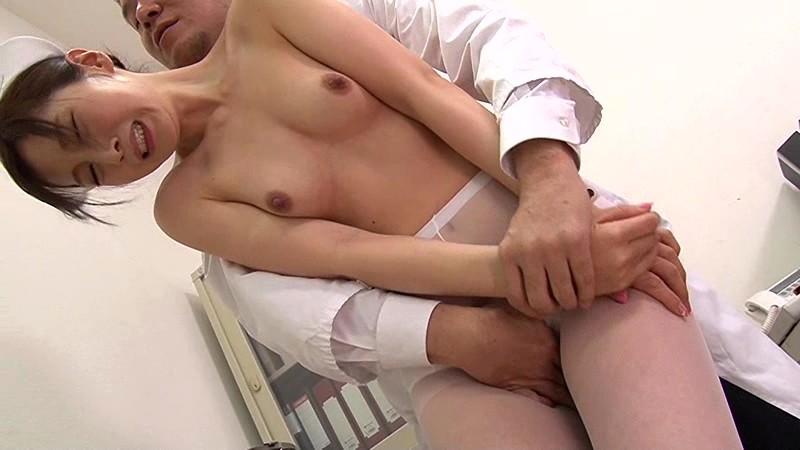 佐々木あき 汚辱の女 調教を懇願する白衣のメス犬サンプルイメージ2枚目