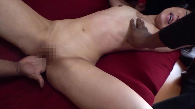 ロ●ータ美少女を狙った黒人尾行鬼畜レ●プ映像集 4時間2
