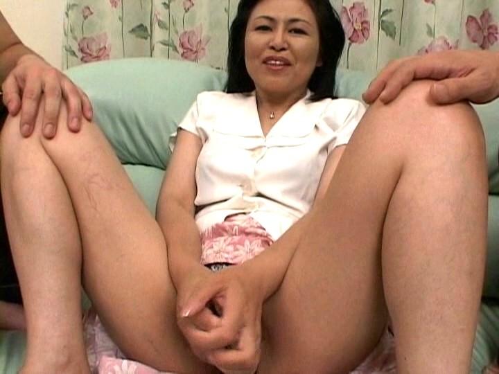 【ナンパ】ミニスカが似合う美脚美人若妻!ナンパ生ハメSEXで