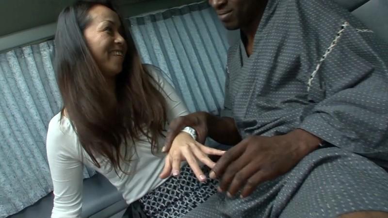 黒人が熟女をナンパして素人のSEXを記録してみた りさこさん42歳3