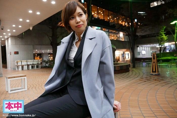 新人アジア1の肉食系ハーフ美人身長180cmカッコ綺麗お姉さん中出し… のサンプル画像 1枚目