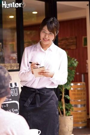 カフェで働くお姉さんたちがとにかくエロい!男性スタッフはボクだけという… のサンプル画像 3枚目