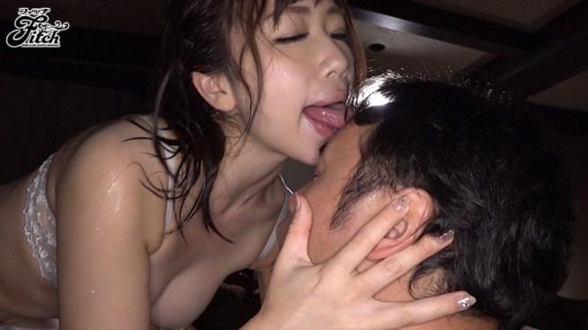 密着して舐め尽くす むしゃぶり唾液痴女 大浦真奈美10