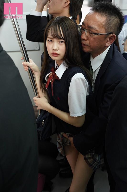 松本いちか 満員電車で触られているのに何も言えない陰キャ女子がいたので翌日から僕が奪って追撃痴●した。サンプルイメージ1枚目