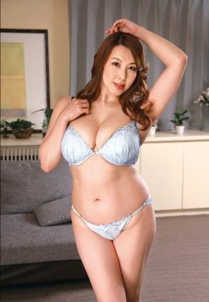 S級美熟女ベスト風間ゆみ4時間豊満巨尻マドンナ のサンプル画像 1枚目