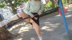 なかだC組ひかりちゃん(18)ねぇ、おじさんと遊ばない?近所の公園で… のサンプル画像 2枚目