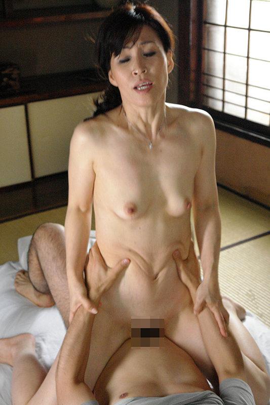還暦熟女 女として抱いてほしい生涯現役昭和30年代生まれの六十路妻