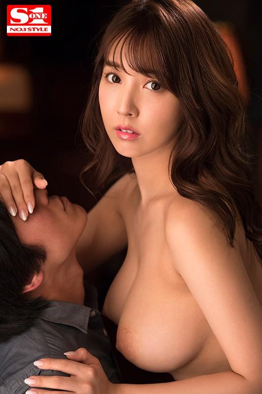 三上悠亜 欲情した接吻痴女の唾液交換ベロ舐めセックスサンプルイメージ10枚目