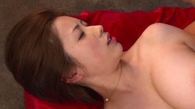 奥田咲が巨乳を揺らしまくりながらイカされまくるSEXを見逃すな!