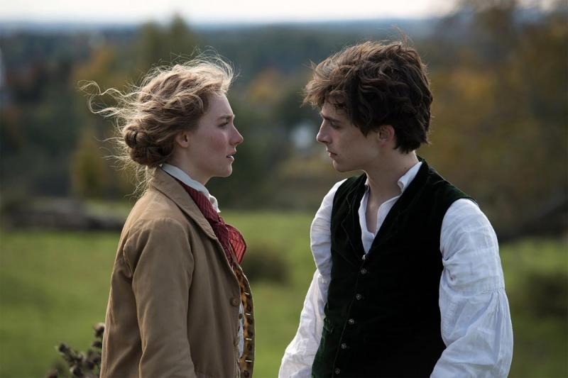 Saoirse Ronan y Timothée Chalamet en Mujercitas